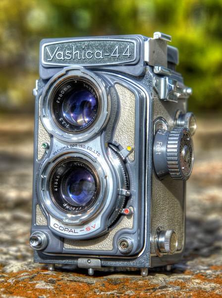 Yashica 44 ~ 1960