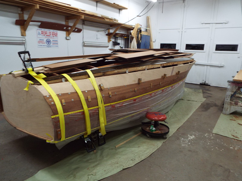 Fourth plank on the starboard side installed.