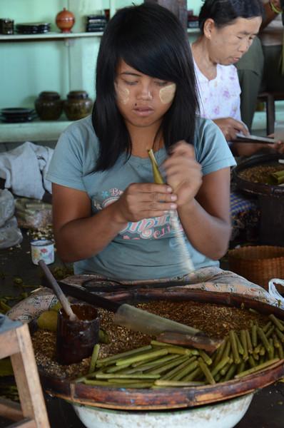 DSC_4404-hand-rolled-cigarette-factory-girl.JPG