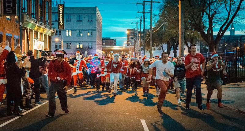 Running with Santa Philadelphia 12-12-2015-3347.jpg