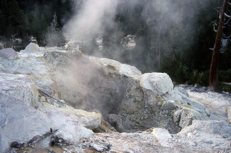 fun things to do in northern california - lassen volcanic