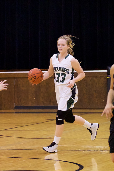 '17 Cyclones Girls Basketball 203.jpg
