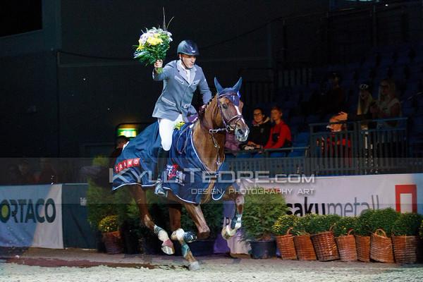 Saturday: Young Horses 125/130 cm / Cramo (price giving ceremony)