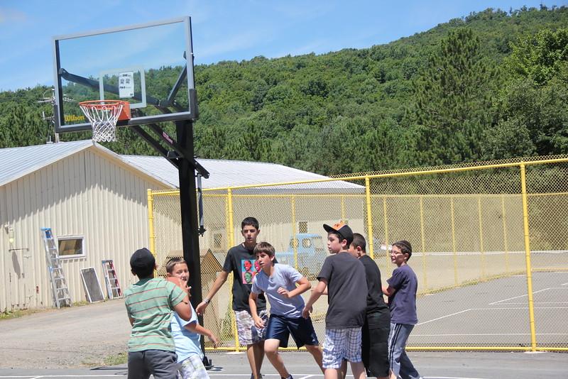kars4kids_thezone_camp_boys_basketball (42).JPG