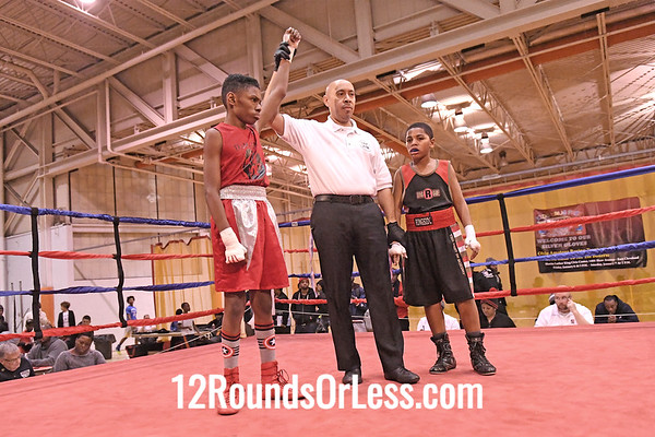 Bout 13 Raylin Williams, Red Gloves, Bull Pen, Toledo -vs- Carlos Johnson, Blue Gloves, Akron, 90 Lbs, 10-11 Yrs