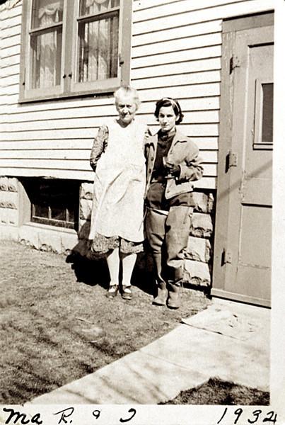 Grandma R & Aunt Julia 1932.JPG