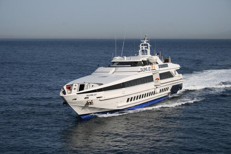 2008 - HSC SALERNO JET arriving to Capri.