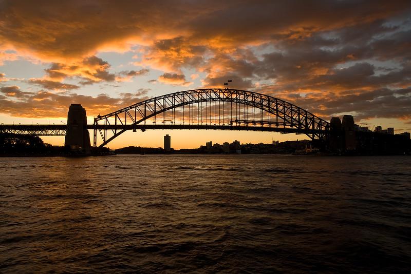 Sydney Habour Bridge im Abendrot