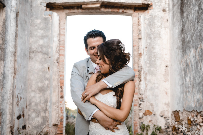 P&H Trash the Dress (Mineral de Pozos, Guanajuato )-86.jpg