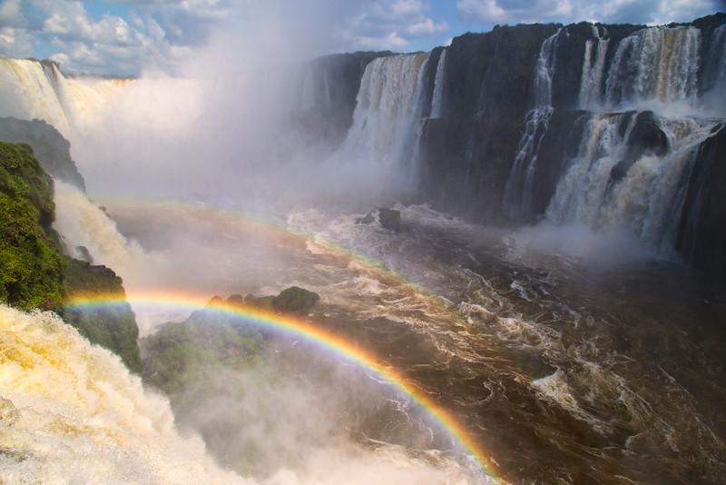 Gargenta del Diablo_Iguazu Falls.jpg