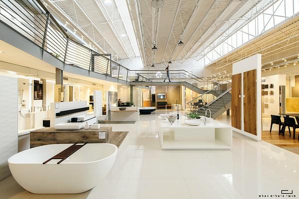 אולם תצוגה של חברת מודי קרמיקה. אדריכלות: ישראלביץ אדריכלים