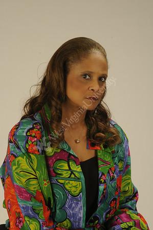 25234-Debbie Robinson portrait