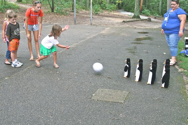 penguin-bowling_4883962833_o.jpg