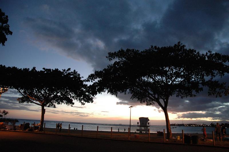 Hawaii - Ala Moana Beach Sunset-211.JPG