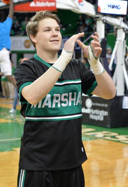 cheerleaders3788.jpg