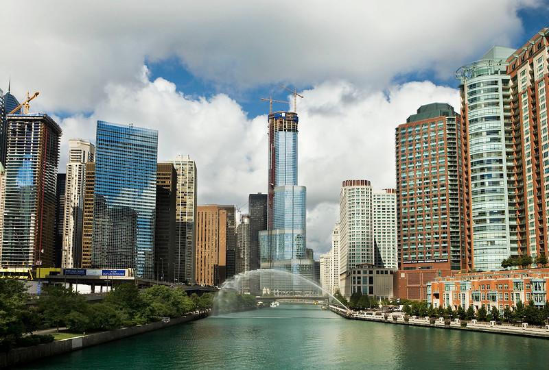 Chicago River with Centennial Fountain