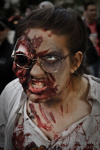EOS-1D Mark II N 7892_Zombie Walk