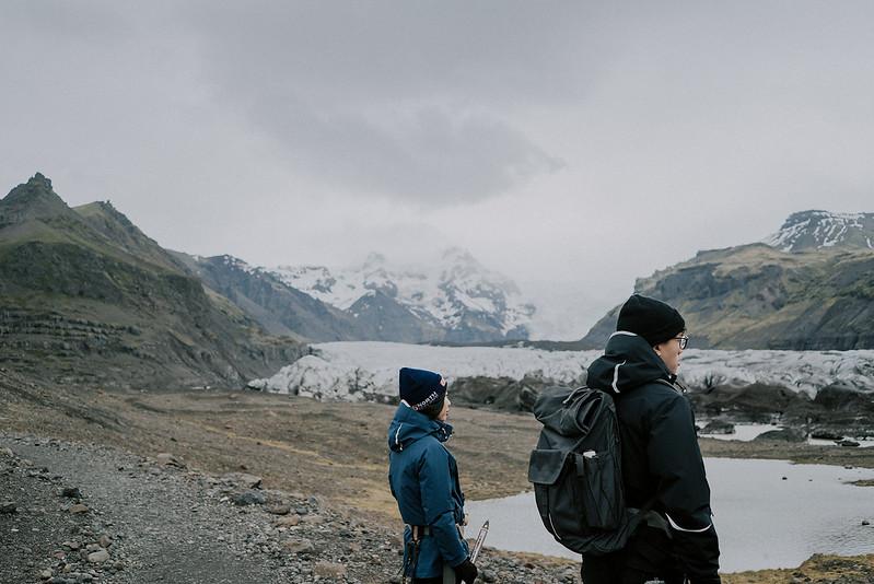 Tu-Nguyen-Destination-Wedding-Photographer-Iceland-Elopement-Fjaðrárgljúfur-16-167a-31.jpg