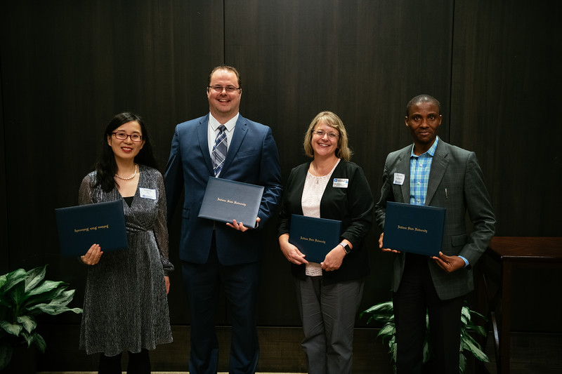 20190425_Faculty Awards-6066.jpg