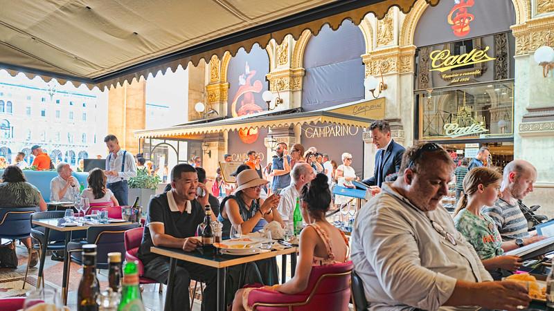 Milano Restaurant Scene II-L1010346-Rev.jpg