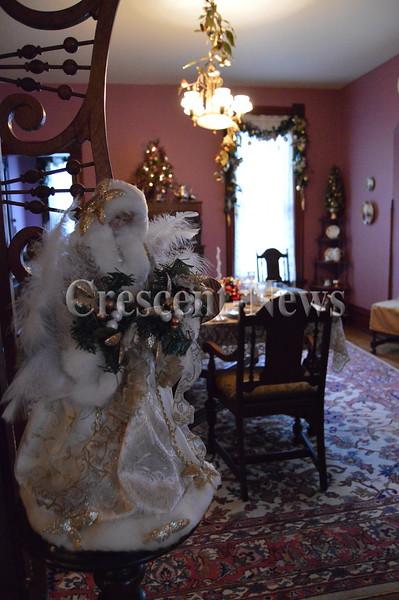 11-27-15 NEWS Victorian Christmas