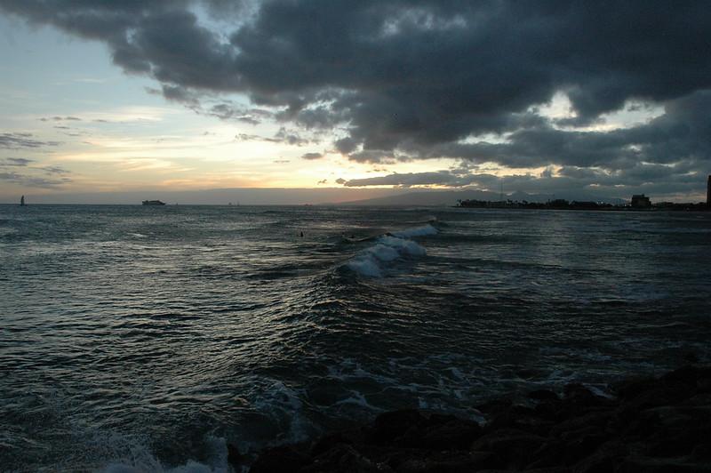 Hawaii - Ala Moana Beach Sunset-84.JPG