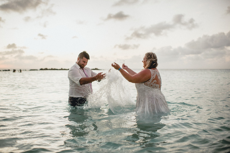 Requiem Images - Aruba Riu Palace Caribbean - Luxury Destination Wedding Photographer - Day after - Megan Aaron -77.jpg