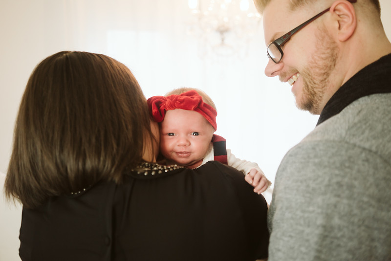 Schmidt Christmas Mini Session 2018-13.jpg
