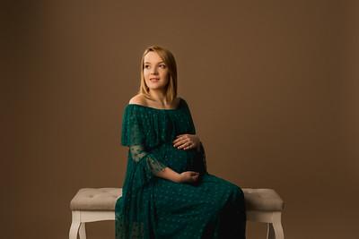 Alexandra R • Maternity