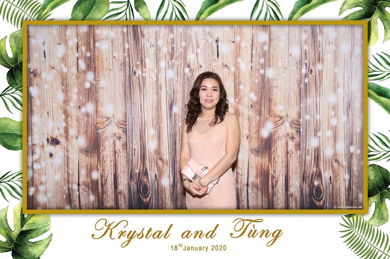 Krystal-Tung-wedding-instant-print-photo-booth-in-Ho-Chi-Minh-City-Chup-hinh-lay-lien-Tiec-cuoi-WefieBox-Photobooth-Vietnam-011.jpg
