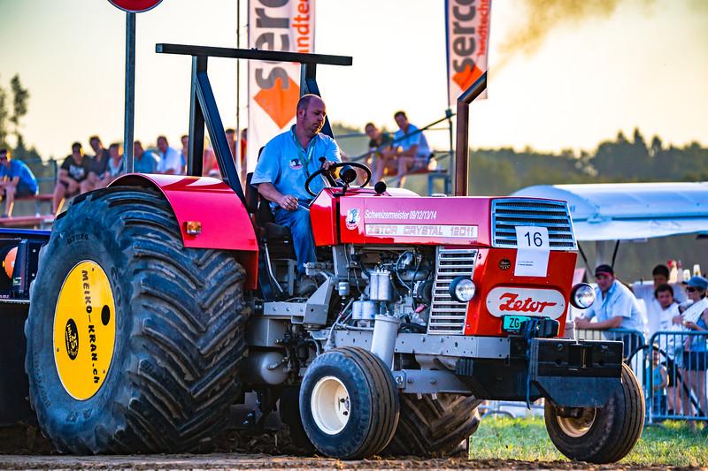Tractor Pulling 2015-01667.jpg