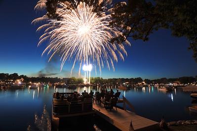 July 4 2016 Okauchee Lake Fireworks