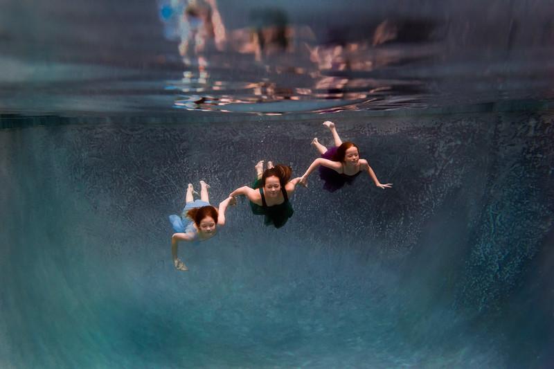 UnderwaterJeni5.jpg