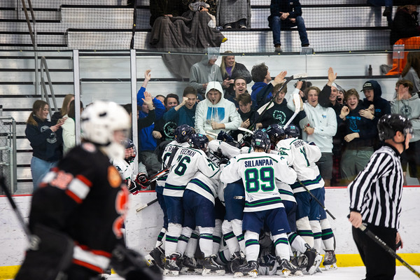Ice Hockey: Marquette vs Edwardsville