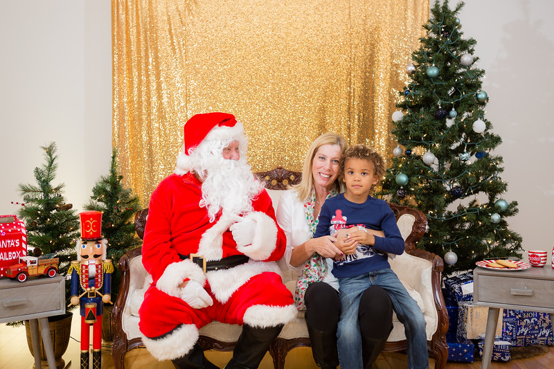 FADS Picture with Santa-202.jpg