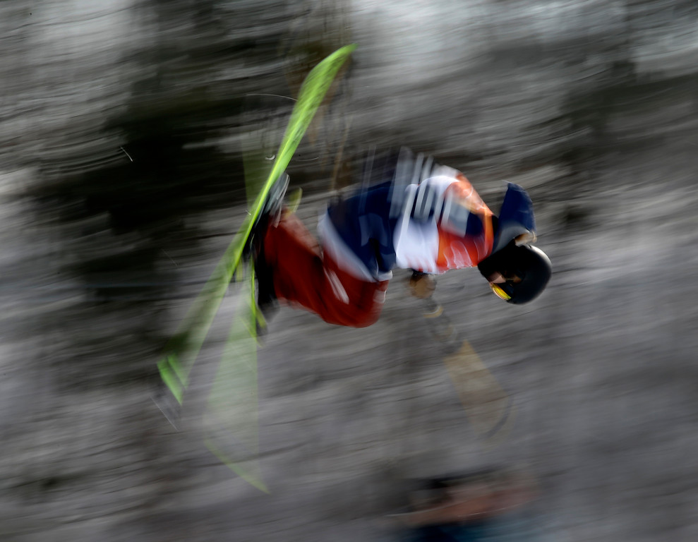 . Annalisa Drew, of the United States, runs the course during the women\'s halfpipe qualifying at Phoenix Snow Park at the 2018 Winter Olympics in Pyeongchang, South Korea, Monday, Feb. 19, 2018. (AP Photo/Charlie Riedel)
