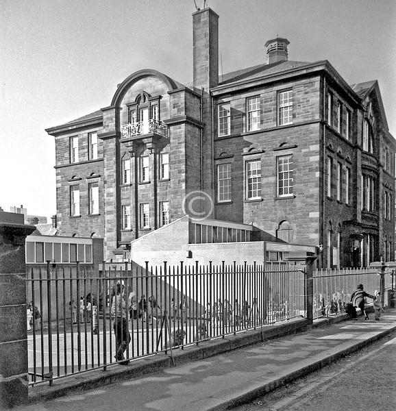 Renfrew St.  Garnetbank Primary Sch.  February 1976