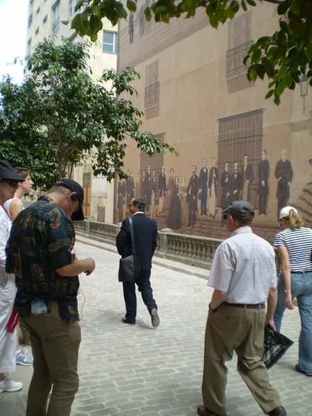 Arch Prof leads us past mural of Habana's founders - ElizabethYerkes