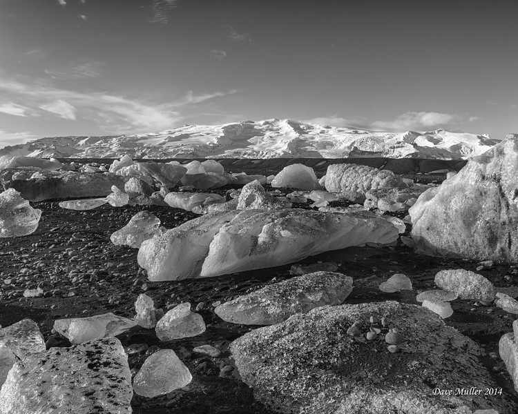TSF_BW_Prof_Scenics_Mountains_Red_2014.jpg
