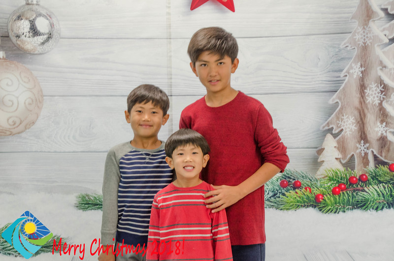 Christmas Photobooth 2018 Sunday-178.jpg