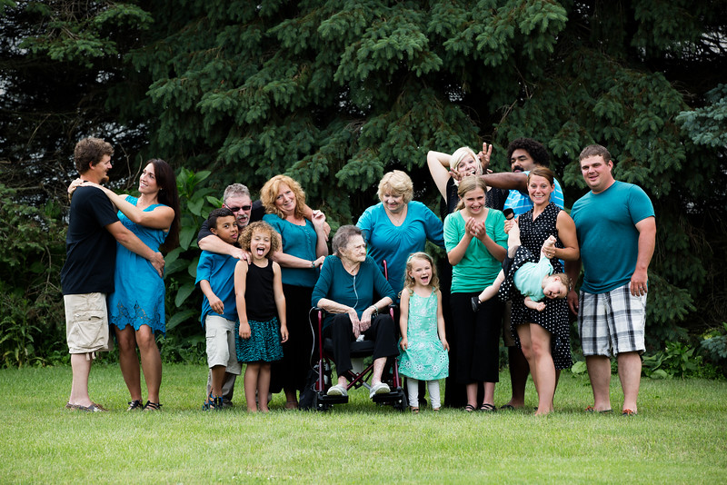 Extended-Family-Pictures-Middleville-Michigan-1.jpg