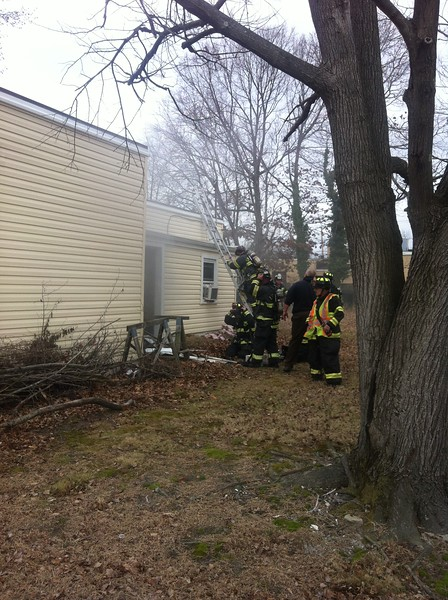 12-23-2013(Camden County) CLEMENTON - 121 Ohio Ave. - Dwelling Fire