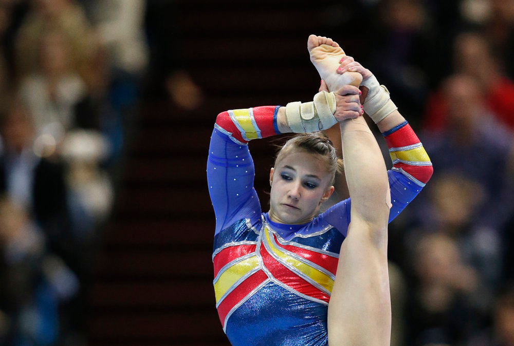 . Spain\'s Roxana Popa Nedelcu competes on the floor during the women\'s apparatus finals at the European Men\'s and Women\'s Artistic Gymnastic Individual Championships in Moscow April 21, 2013.  REUTERS/Grigory Dukor