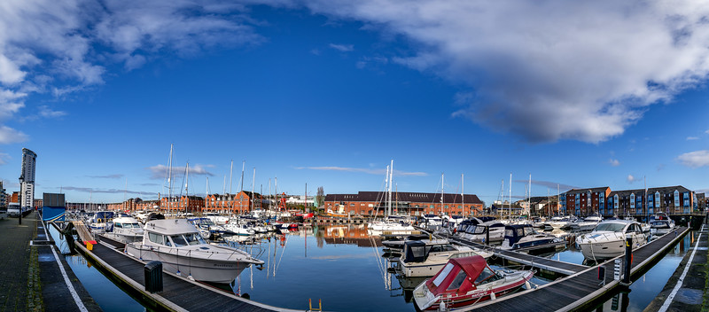 iNNOVATIONPHphotography-property-photography-Swansea-Marina-Ferrara-Square-.jpg