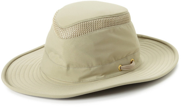 On a fall road trip, shade your face with a Tilly Hat. #travel #hat