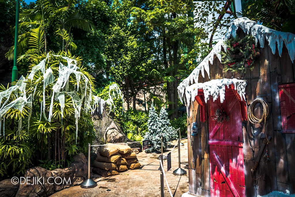 Halloween Horror Nights 7 Before Dark 2 Preview Update / Happy Horror Days scare zone - Christmas holiday zone overview
