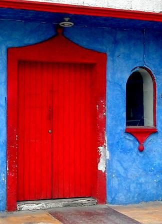 388-215-red_door_2.JPG