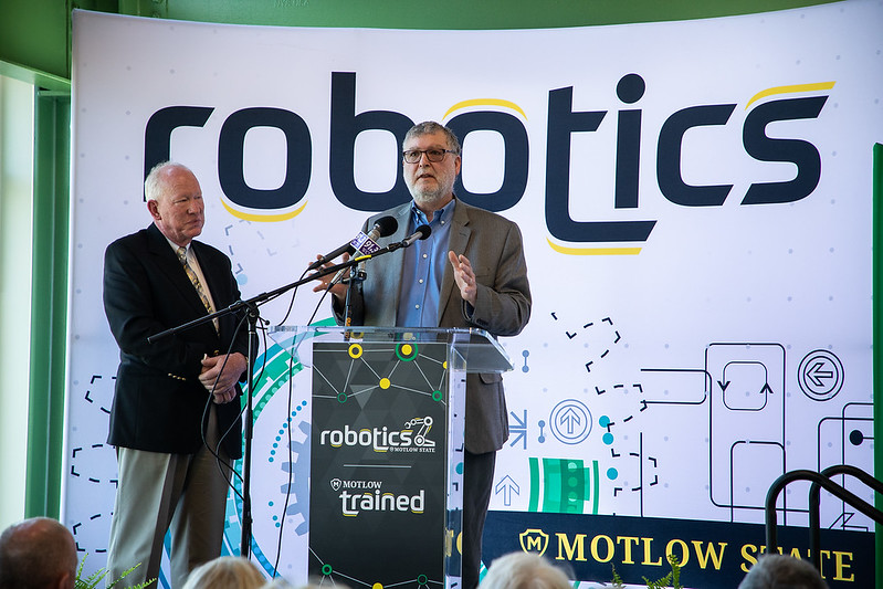 Robotics Grand Opening-8911.jpg