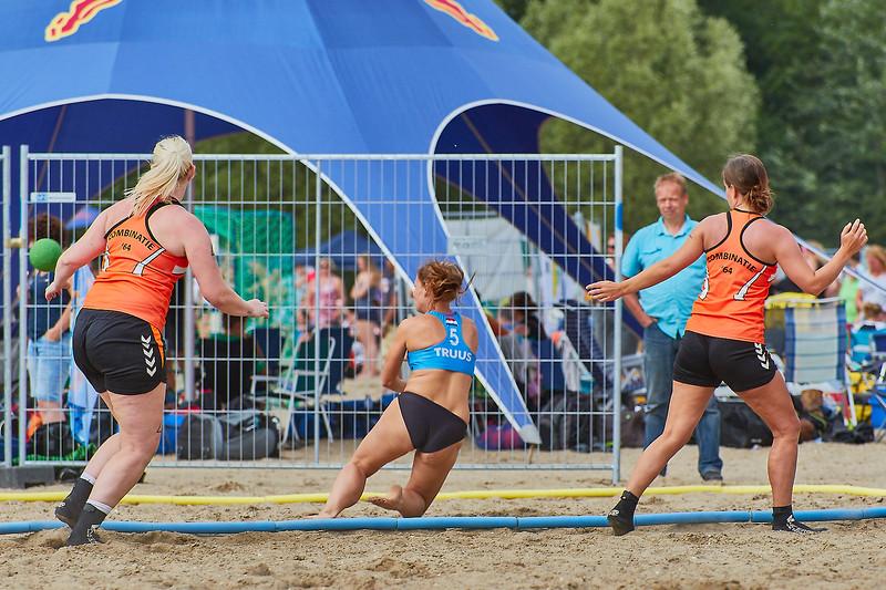 Molecaten NK Beach Handball 2017 dag 1 img 301.jpg