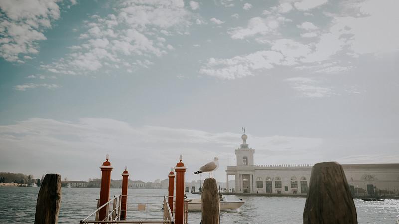 Tu-Nguyen-Destination-Wedding-Photographer-Elopement-Venice-Italy-Europe-w0a4.jpg